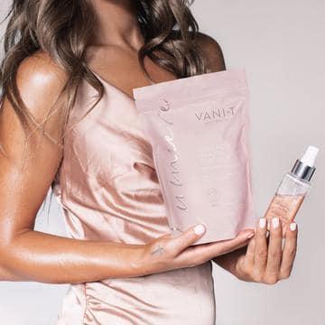 Vani-t Lumiere Collagen Beauty Mist Kabuki hair